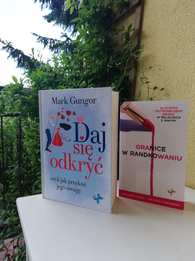 książka o randkowaniu - dwie ksiązki