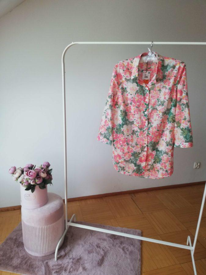 wyprzedaże letnie 2020 bluzka bawełniana w kwiaty z Reserved