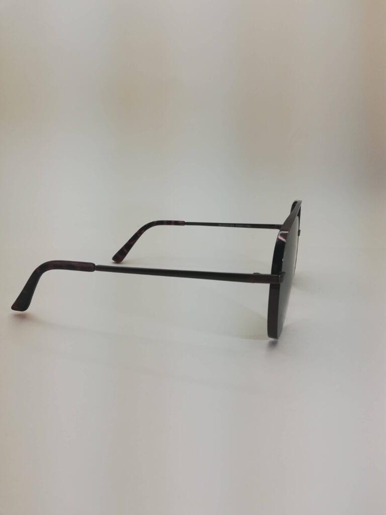 okulary przeciwsłoneczne bok