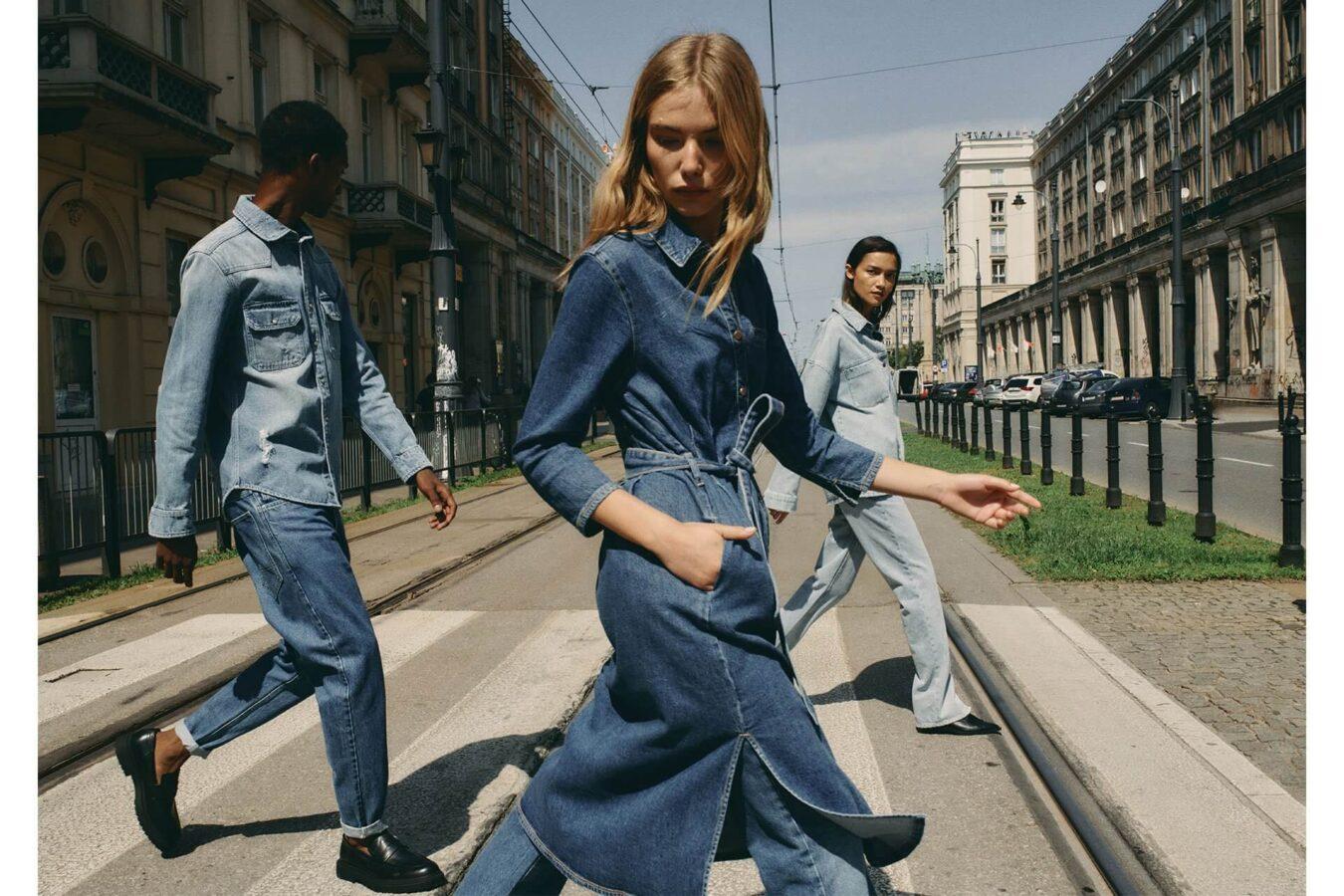 jeans król trendów trendy jesień 2020 troje modelów na ulicy