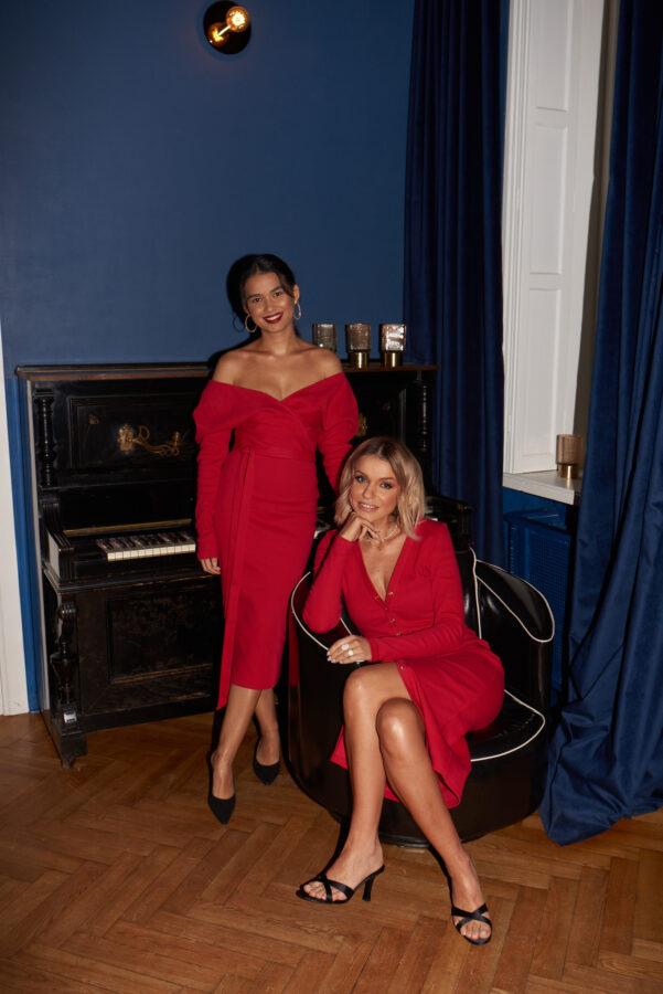 sukienki czerwonw na dwóch modelkach