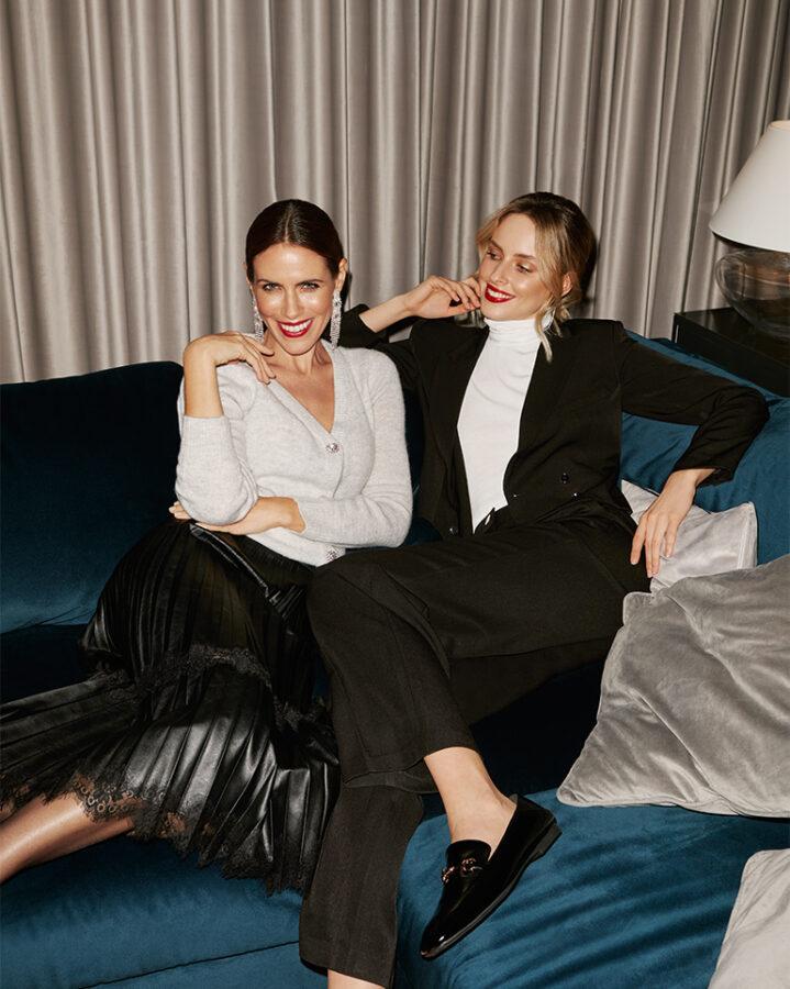 mohito dwie modelki na kanapie