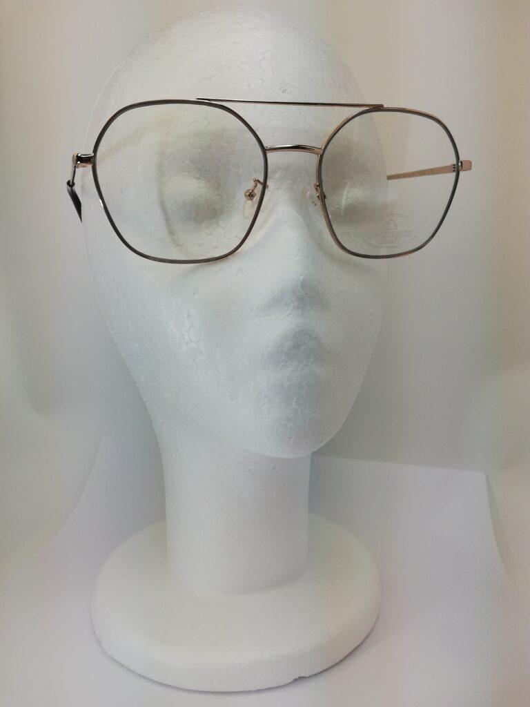 okulary zerówki na modelu
