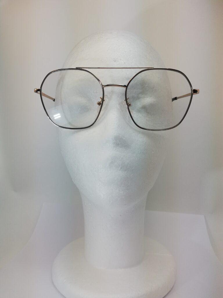 okulary zerówki na modelu 3