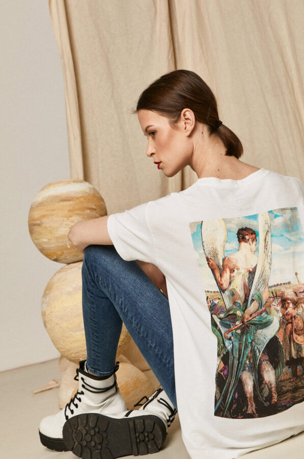 malarstwo w modzie t-shirt z medicine