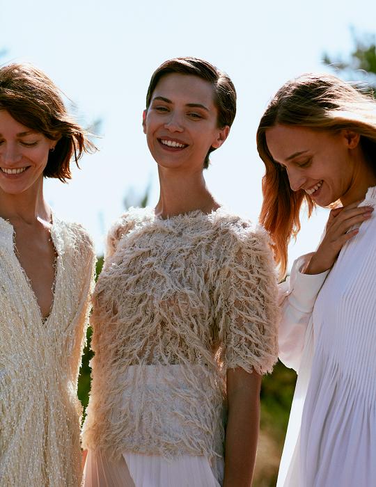 Sukienki na lato 2021 trzy modelki