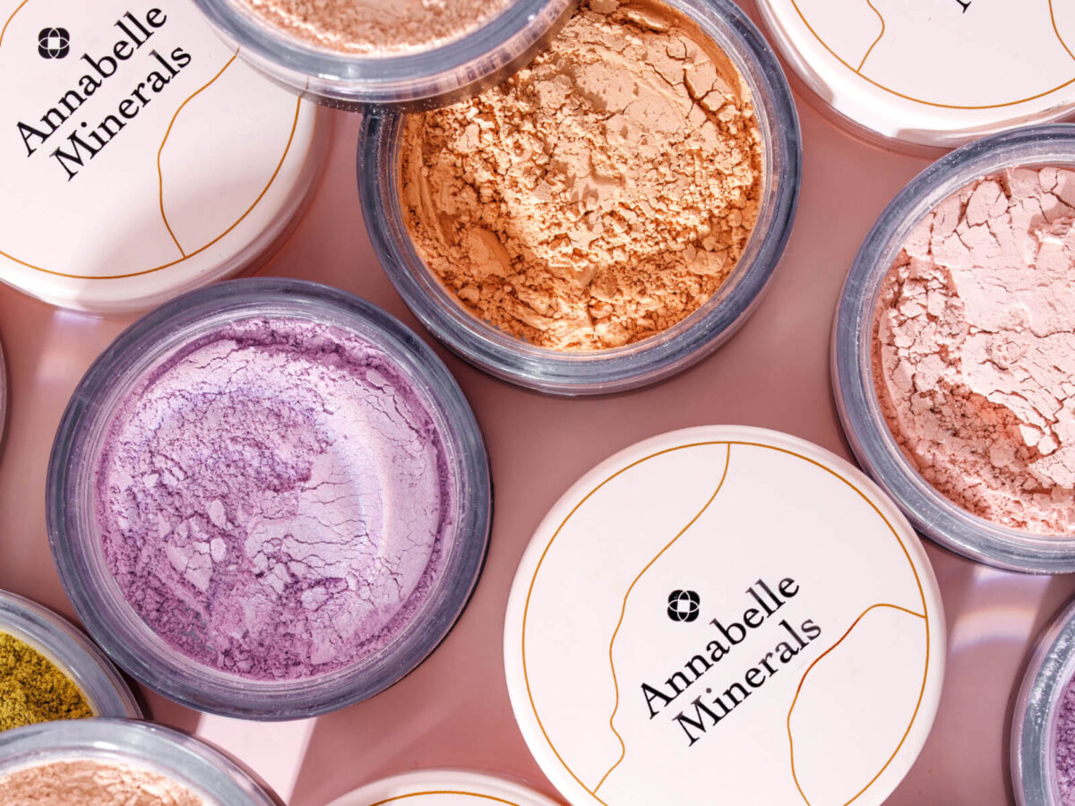 kosmetyki na lato pudry od Annabelle Minerals