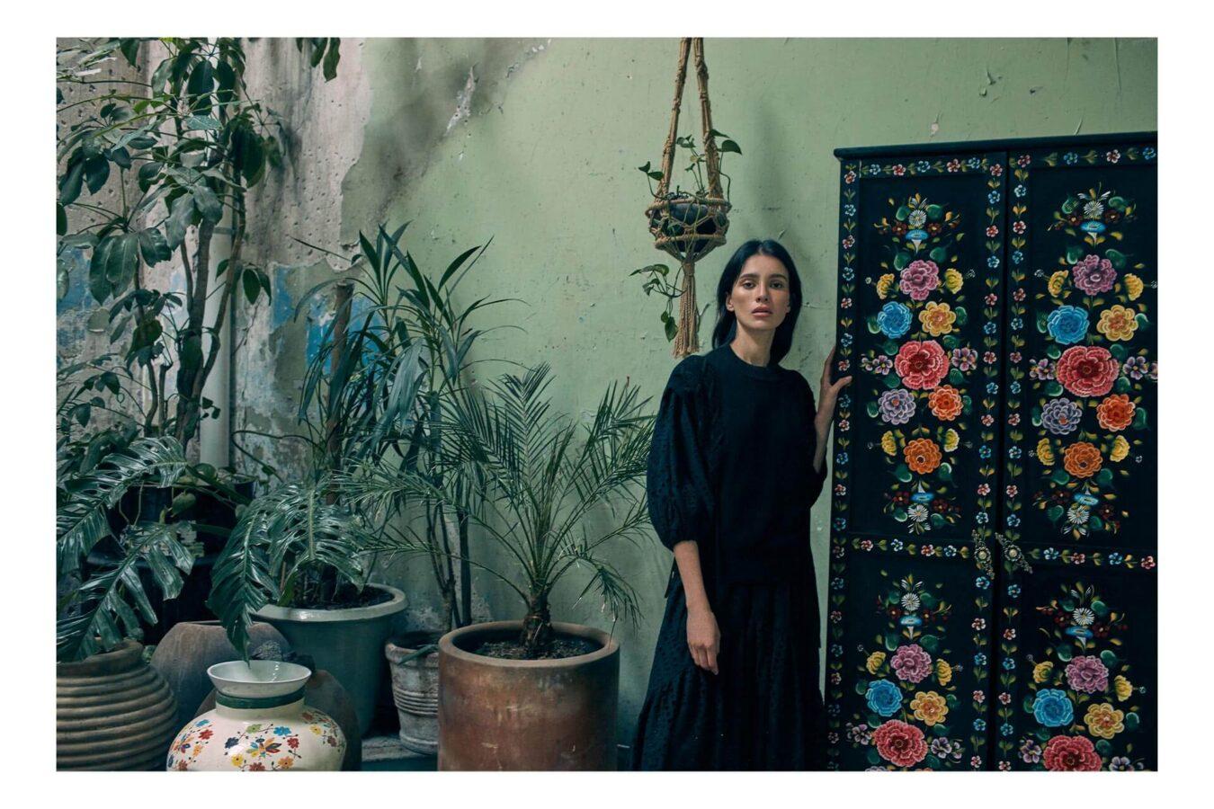 Urban Craft z Reserved czarna suknia z bawełny