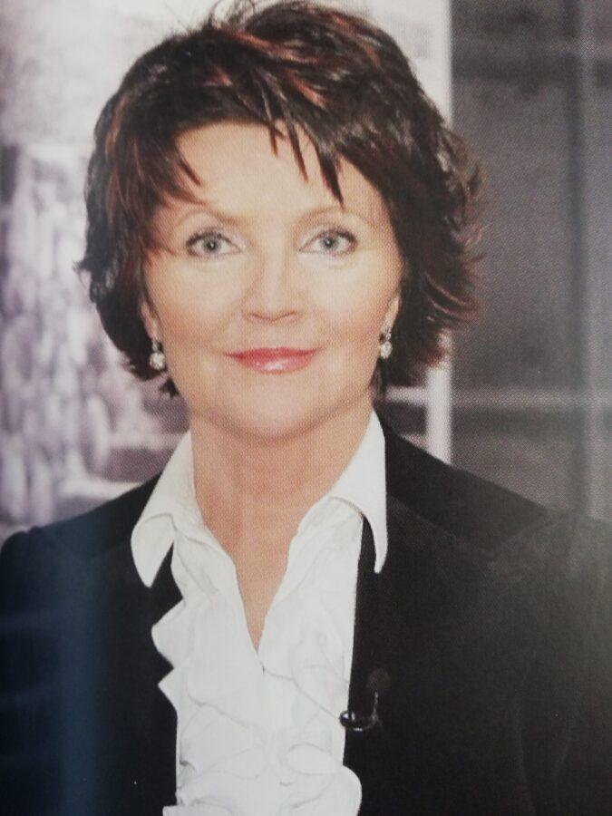 piękna i stylowa kobieta według prezydentowej Jolanty Kwaśniewskiej ona