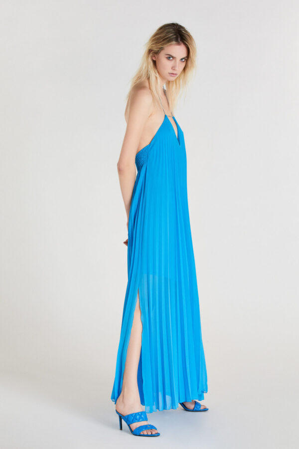 sukienki na lato 2021 niebieska