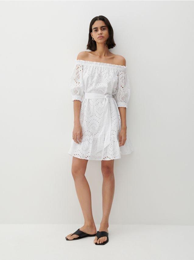 biała sukienka z reserved