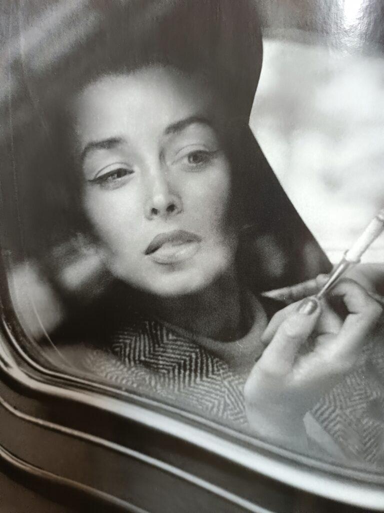 sztuka uwodzenia kobieta w samochodzie